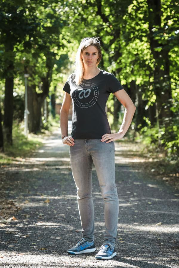 Chase Female T-Shirt Graphite